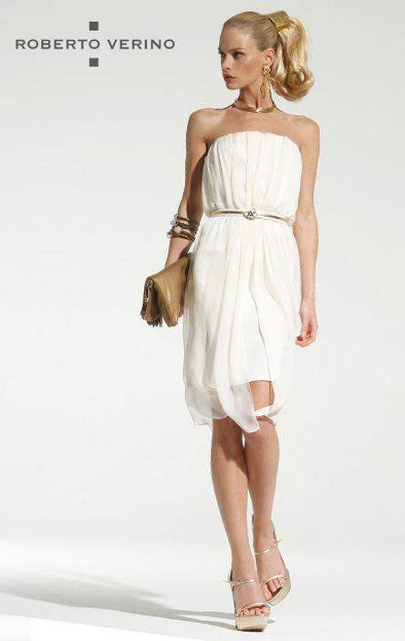 Short white dress with overlapping crepe