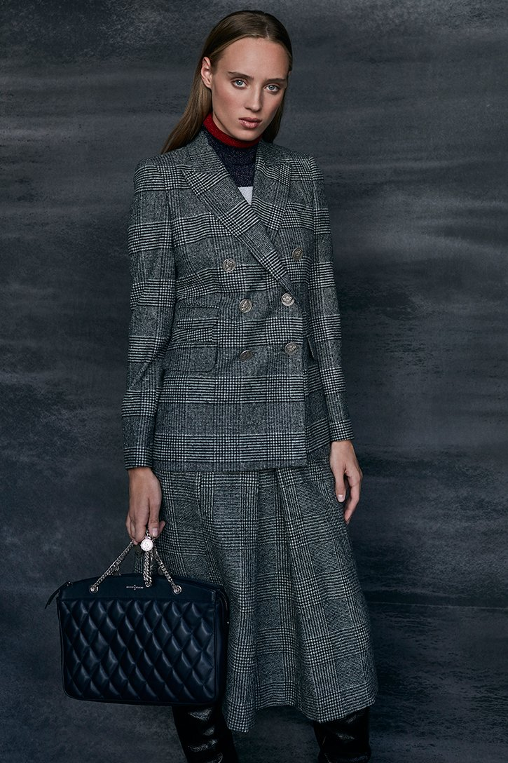 Gray glen plaid and hounds tooth double-breasted jacket / Black quilted leather Monnaie shoulder bag - Roberto Verino