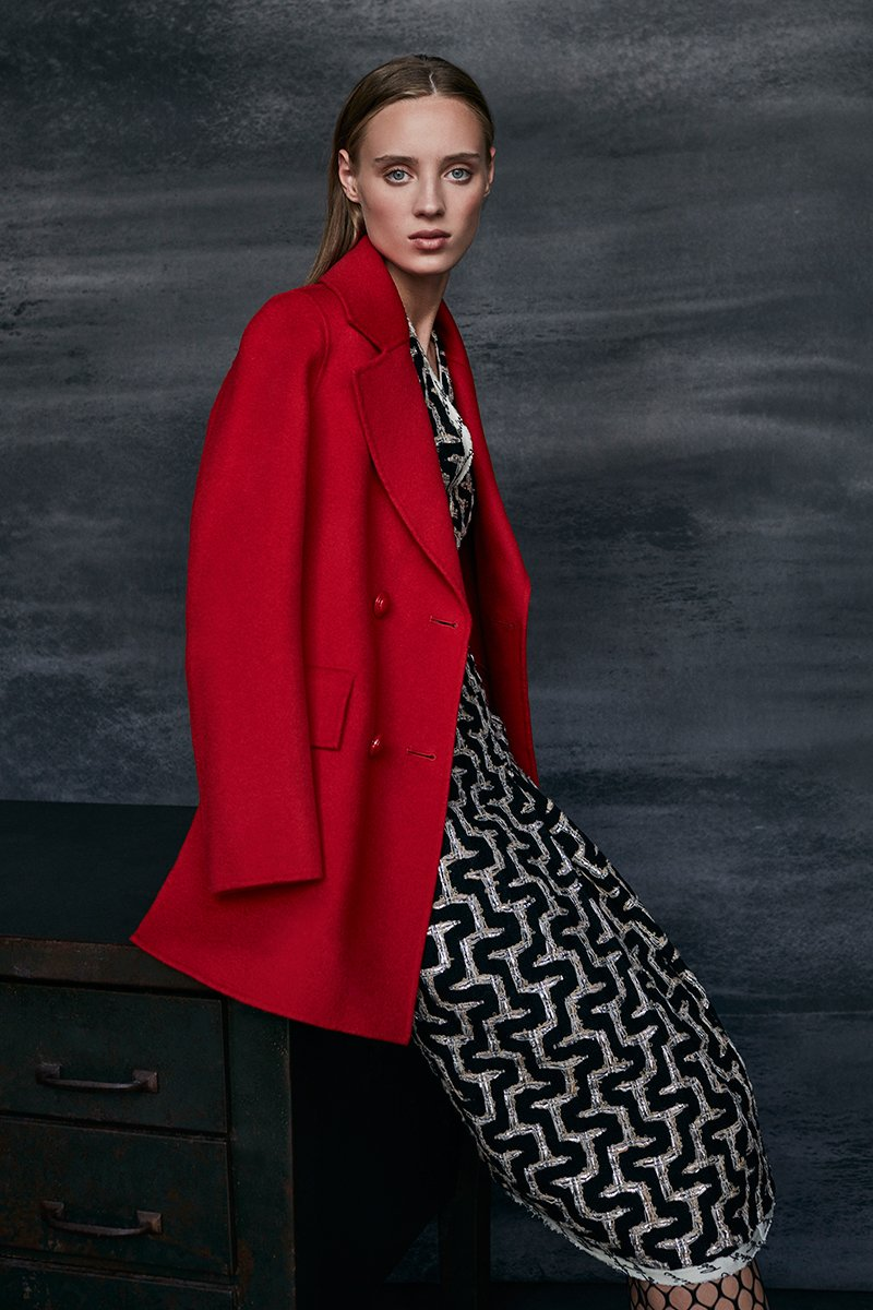 Red double-faced three-quarter jacket / Geometric tweed dress with V-neck - Roberto Verino