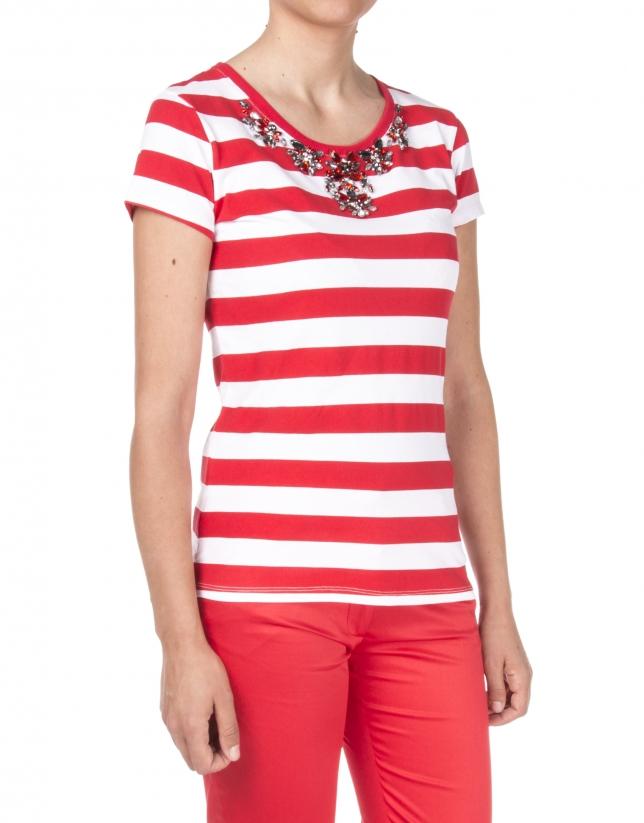 Camiseta listas rojas pedrería