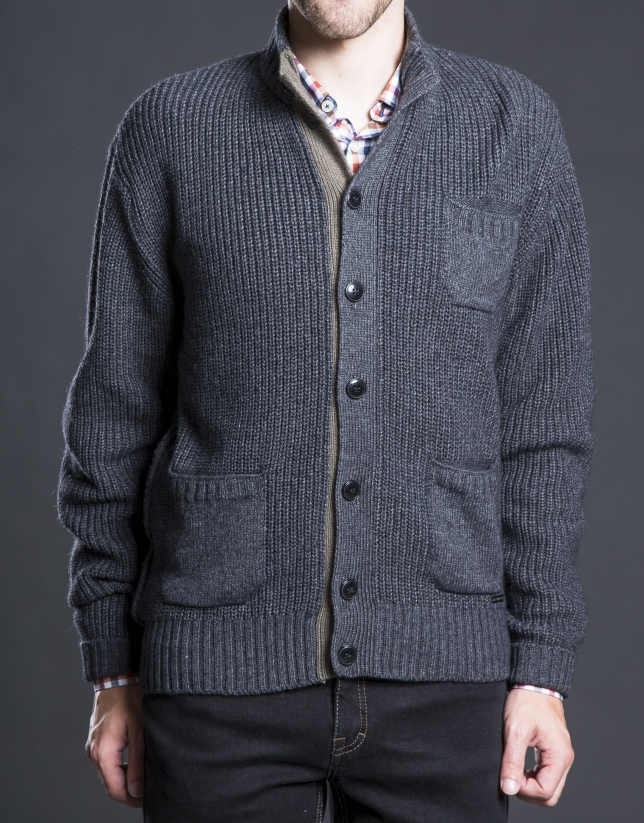 Gray knit jacket with pockets