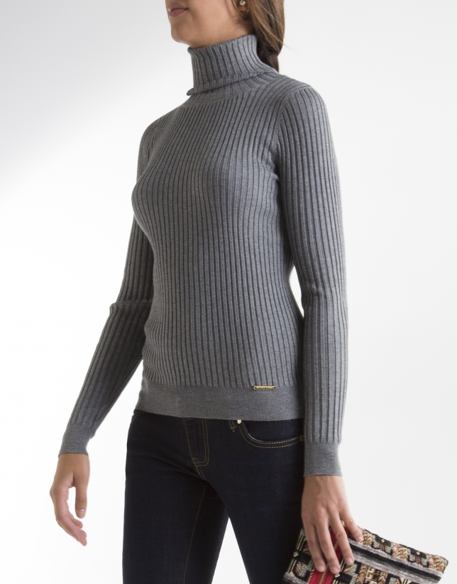 Grey ribbed sweater