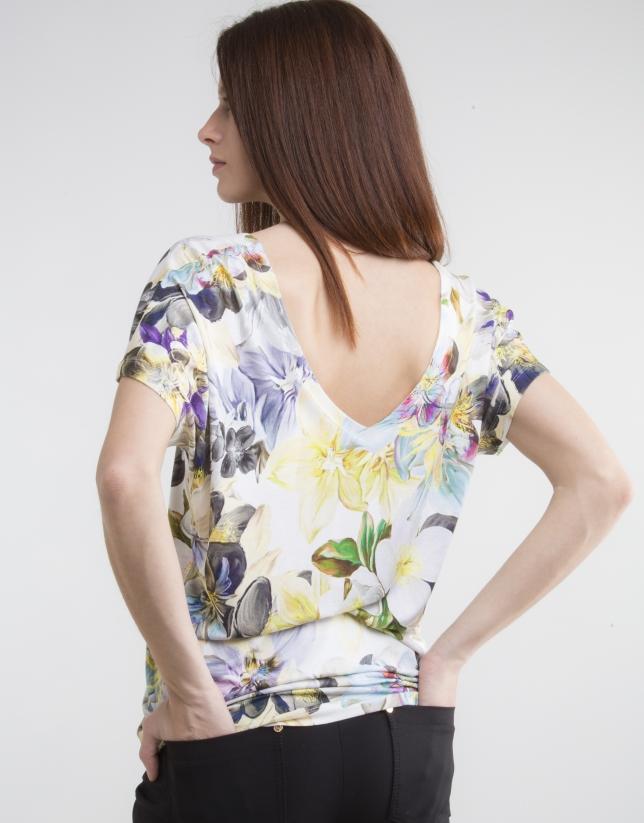 Camiseta escote pico estampado amarillo