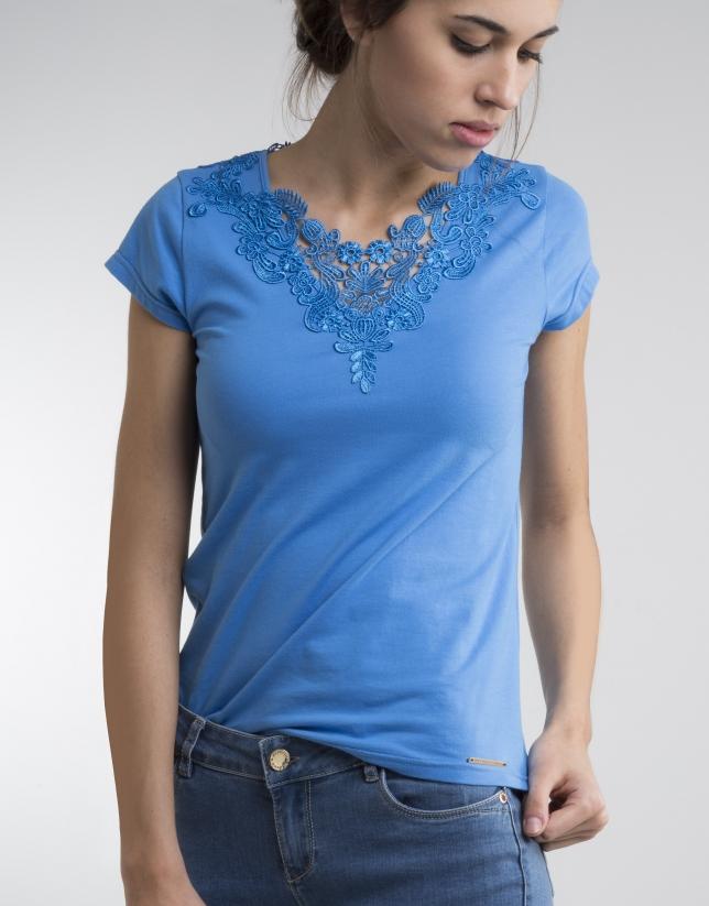 Camiseta crochet azul