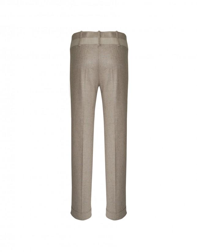 Pantalón beige espiguilla