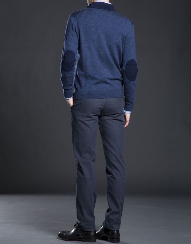 Pull col montant avec boutons marine