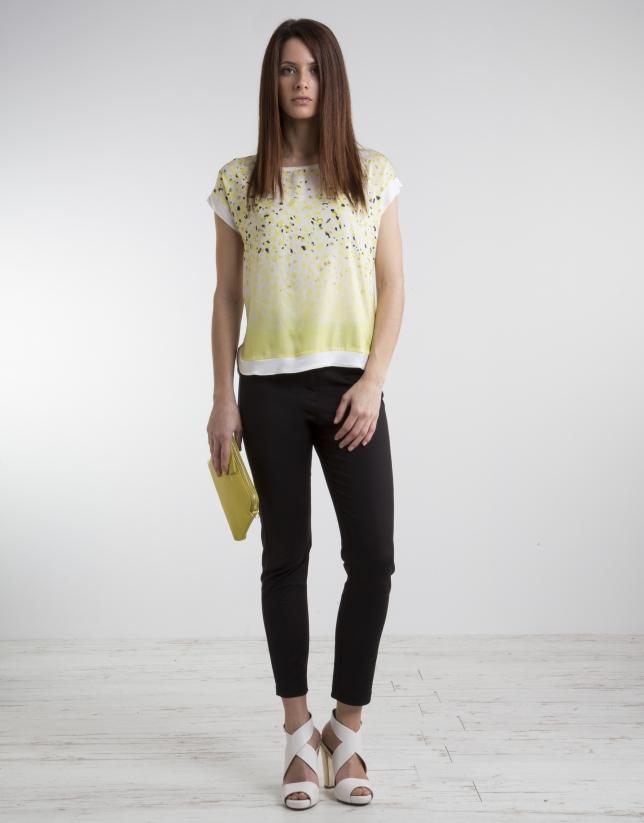 T-shirt jaune imprimé fantaisie