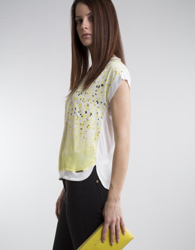 Camiseta estampado fantasía amarillo