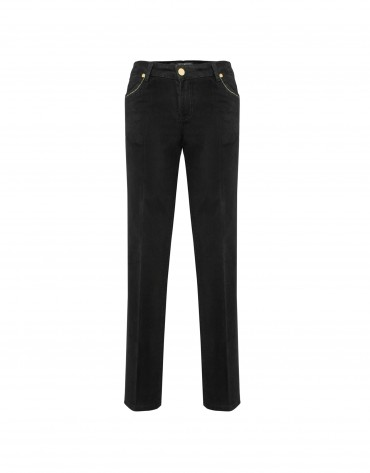 Black pants with embroidered pockets
