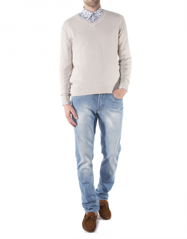 Light beige V-neck sweater