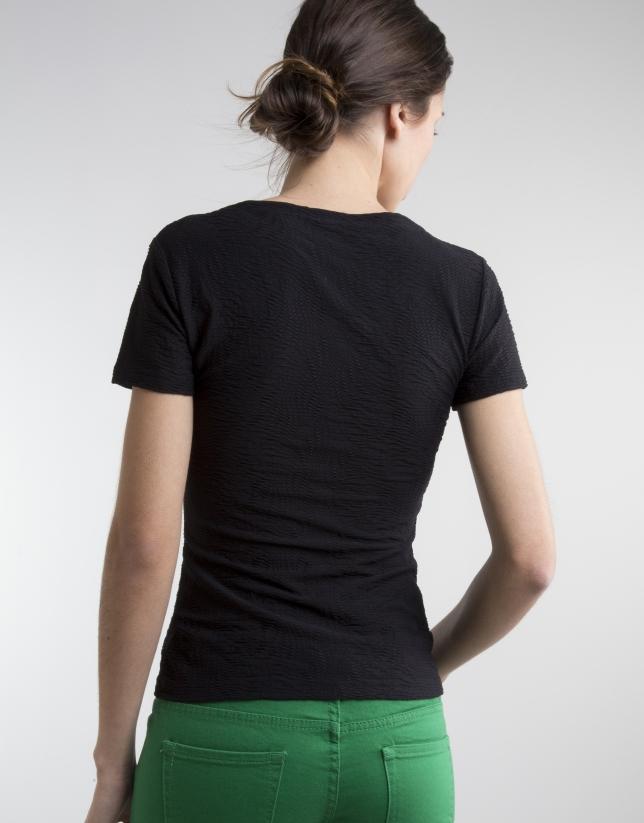 T-shirt noir col V