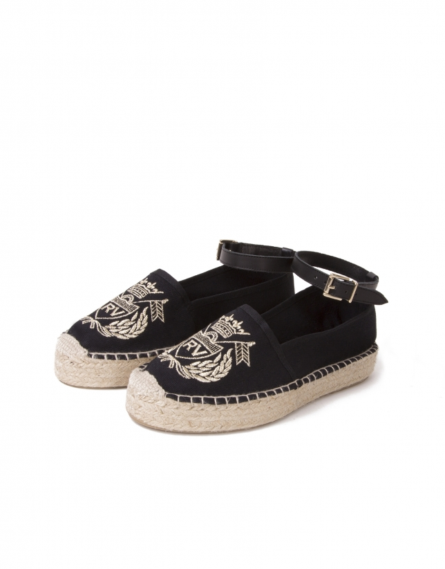 Espadrilles with embroidered emblem