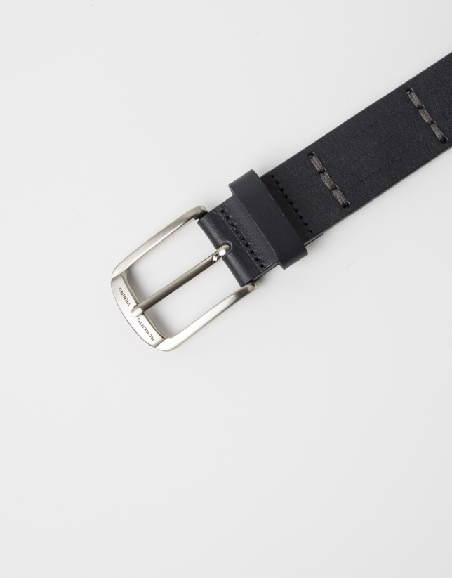 Navy blue belt with cuts
