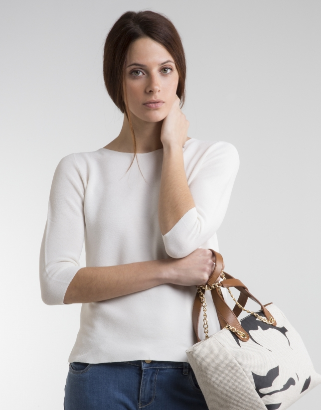 Off-white sweater with three quarter sleeves