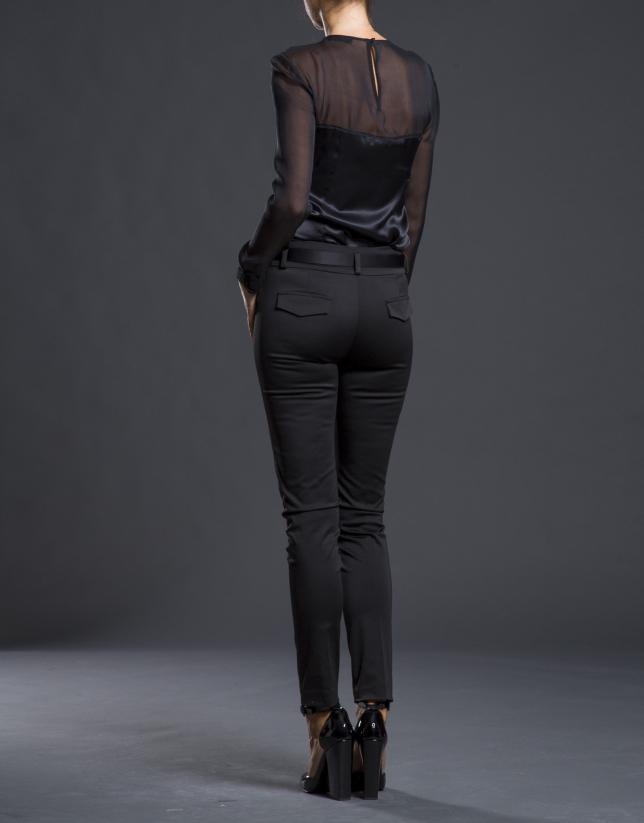 Pantalón negro elástico satén