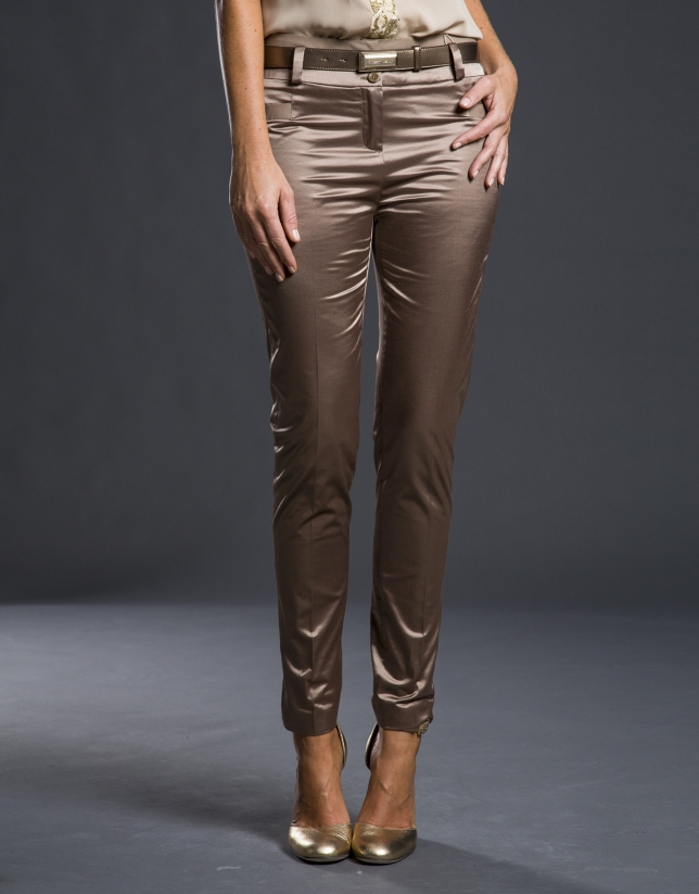 Pantalón bronce elástico satén