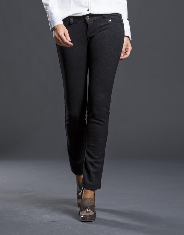 Pantalón gris elástico