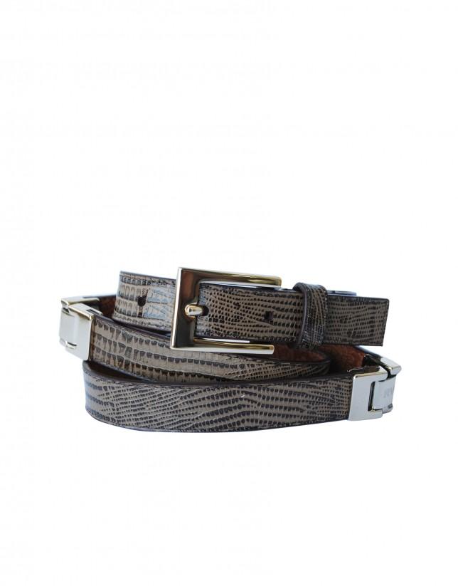 Cinturón estrecho marrón hebilla y aplicaciones doradas