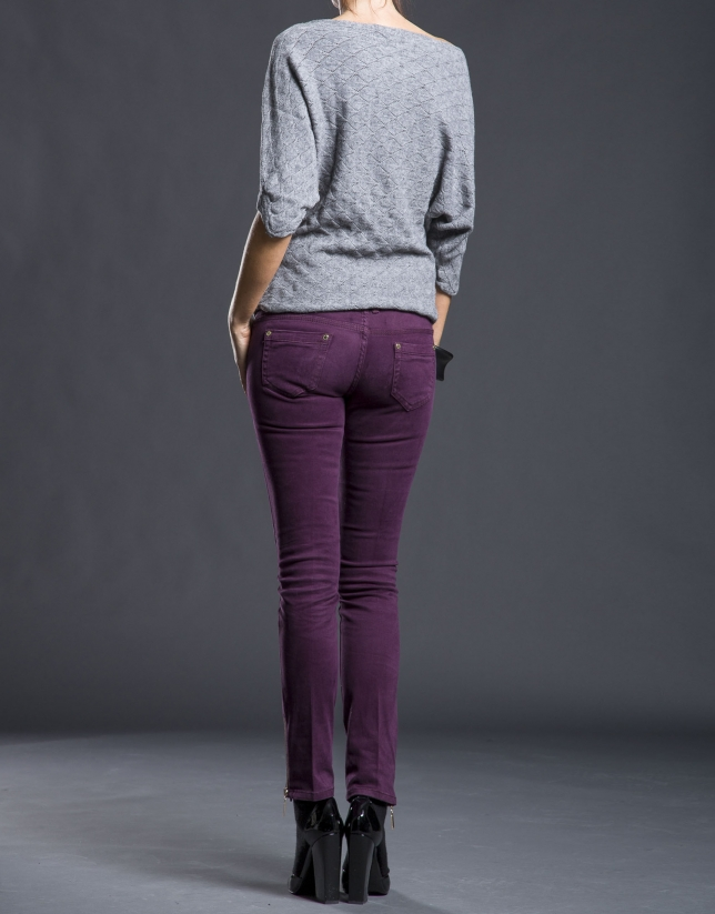Narrow aubergine pants with pockets