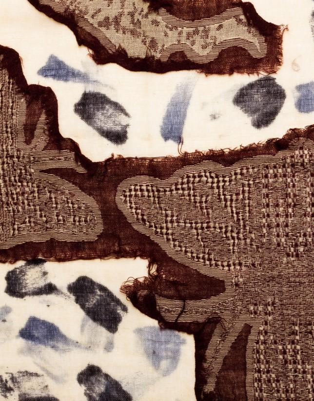 Foulard en lana estampado geométrico.