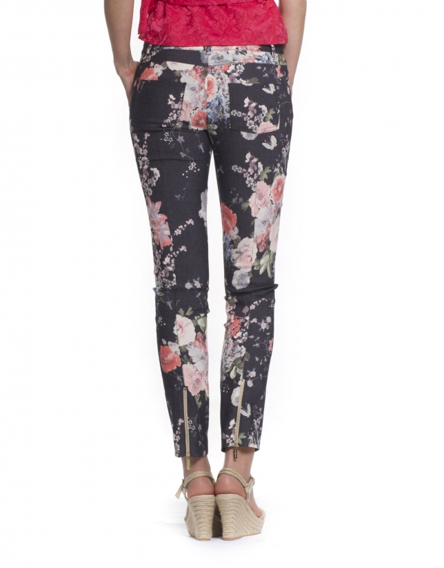 Pantalon motif fleuri roses