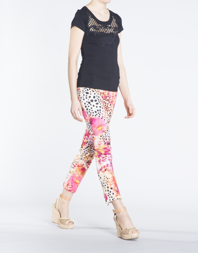 Pantalon skinny, 4 poches, motif abstrait.