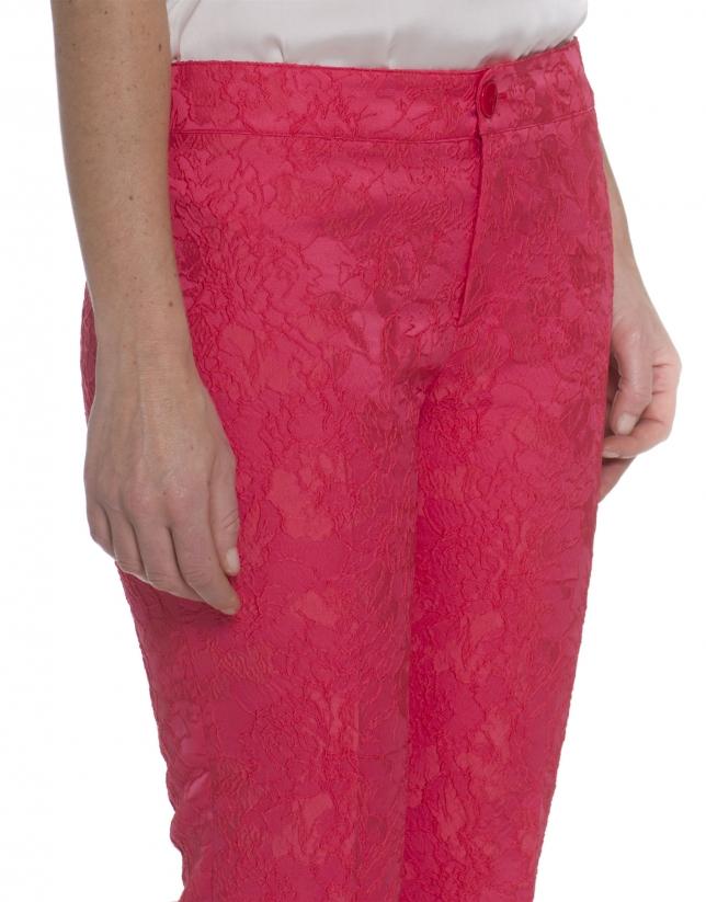 Pantalón relieve flores coral