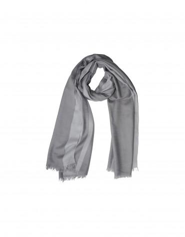 Foulard en lana gris.
