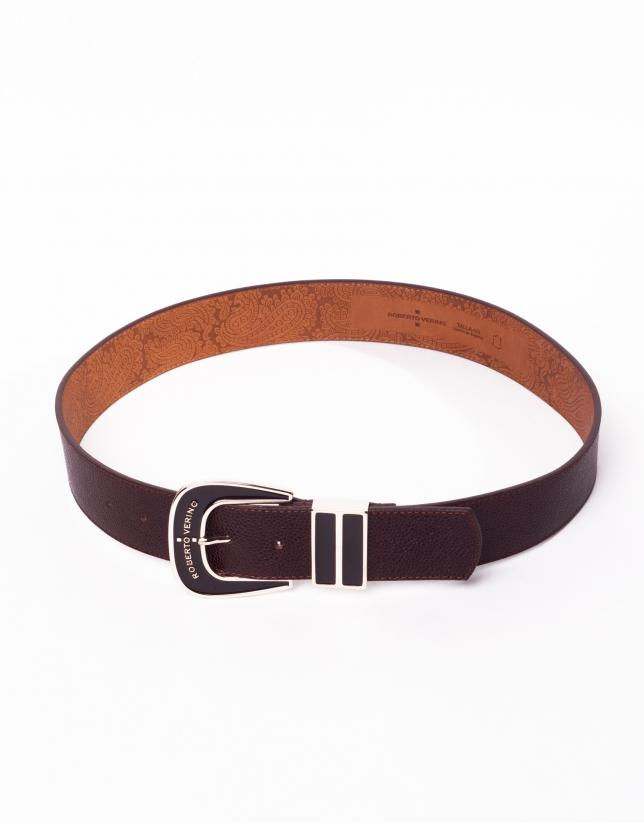 Cinturón en piel marrón y hebilla esmaltada