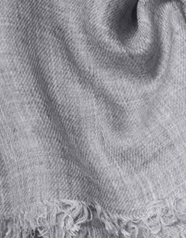 Foulard gris flecos