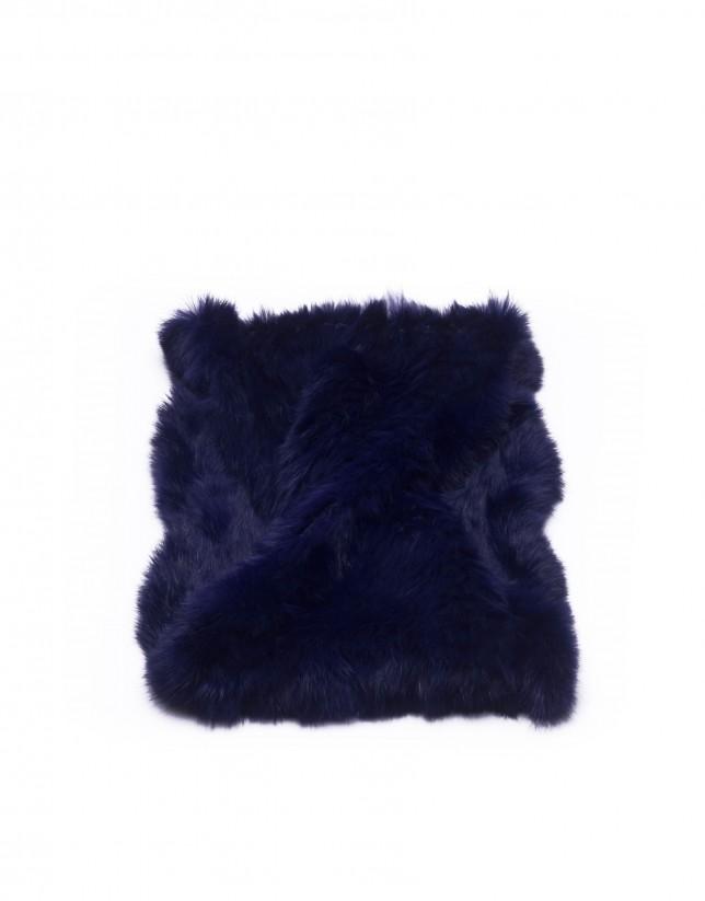 Cuello de pelo de conejo en azul marino