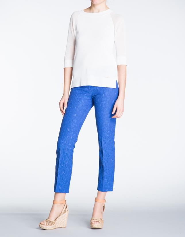 Pantalon droit, tissu de brocard bleu.
