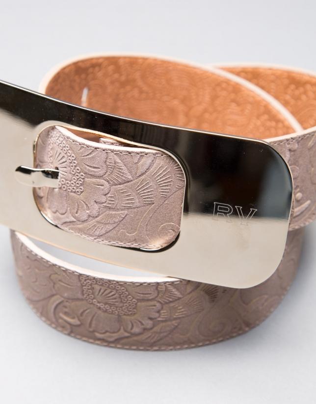 Cinturón barroco con gran hebilla