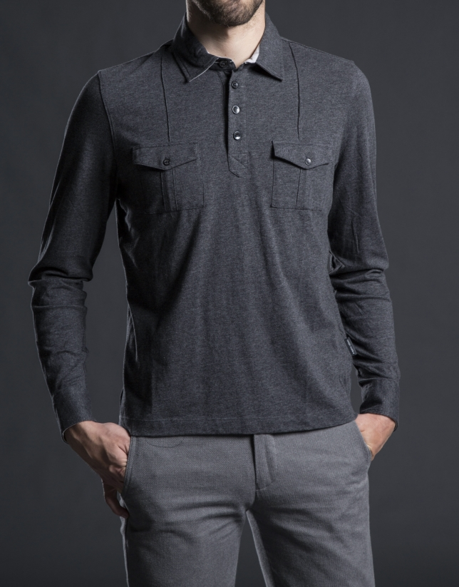 Gray polo shirt with breast pockets