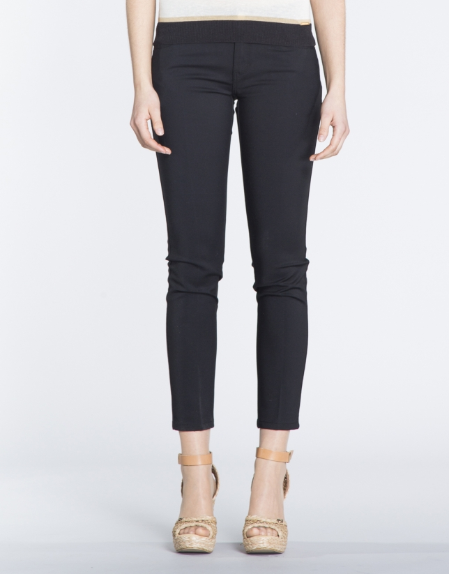 Pantalon stretch noir, 6 poches.