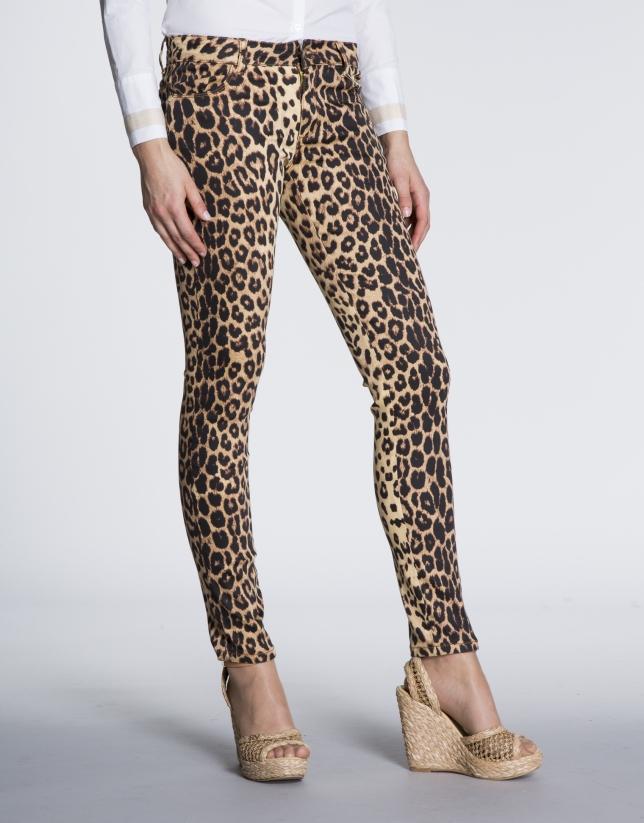 Pantalón strech elástico animal print.