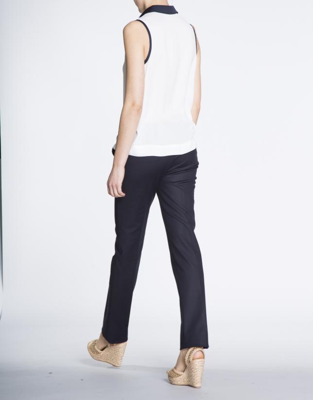 Pantalon droit bleu marine en coton.
