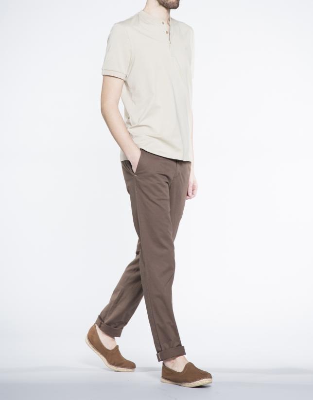 Tee-shirt uni couleur sable, col boulanger