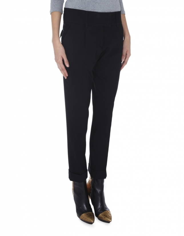 Black wool pants with darts