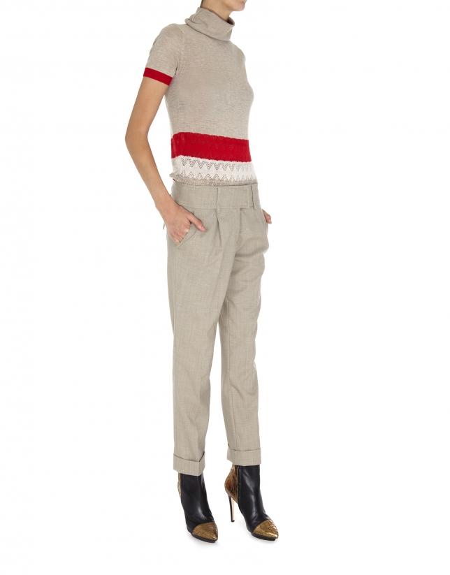 Beige wool pants with darts