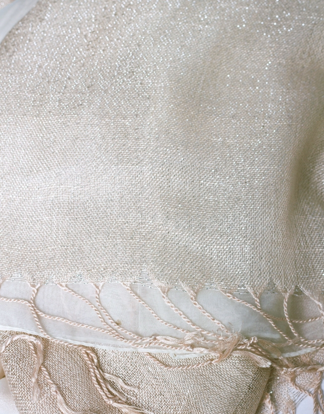 Double-faced scarf in beige tones