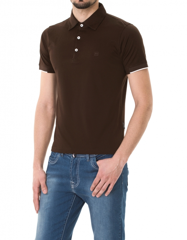 Polo en jersey uni marron chocolat.