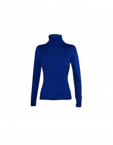 Roll collar pullover in blue.