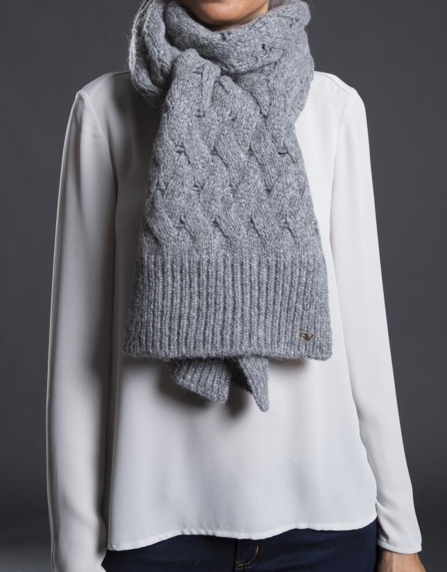 Bufanda en punto gris