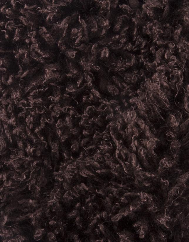 Cuello tubular pelo marrón