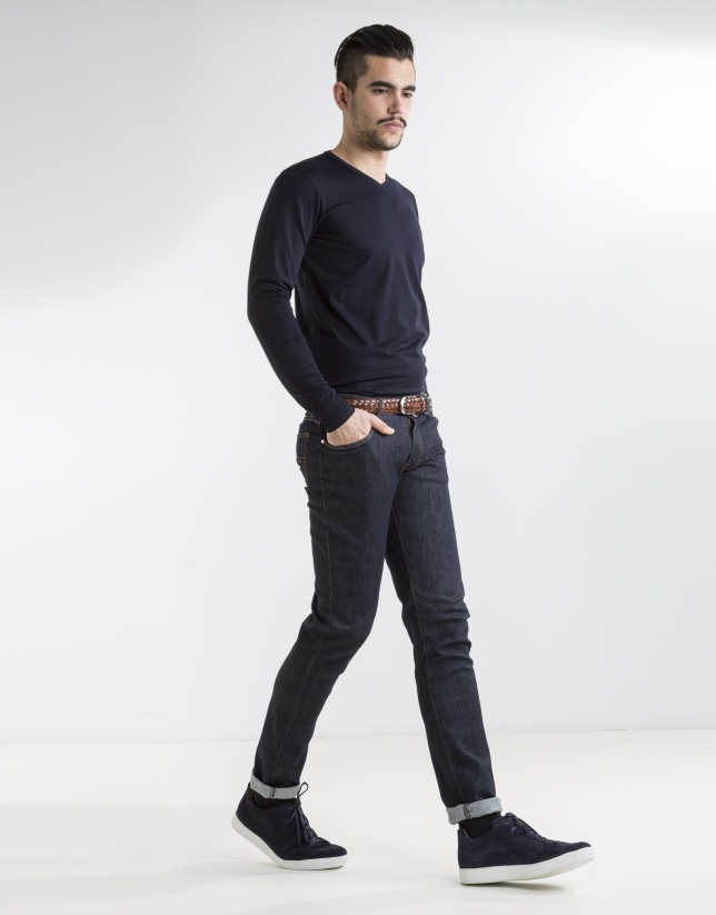 Navy blue plain t-shirt