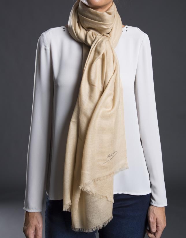 Plain camel foulard