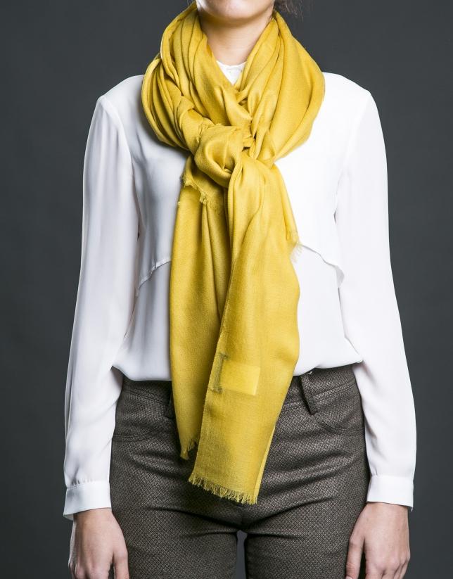foulard liso en mostaza