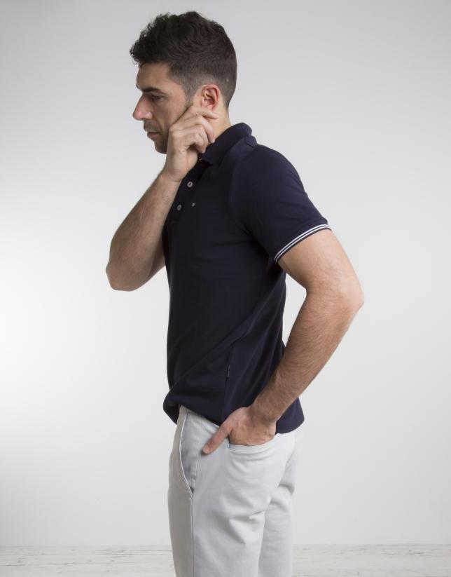 Contrasting navy blue pique polo