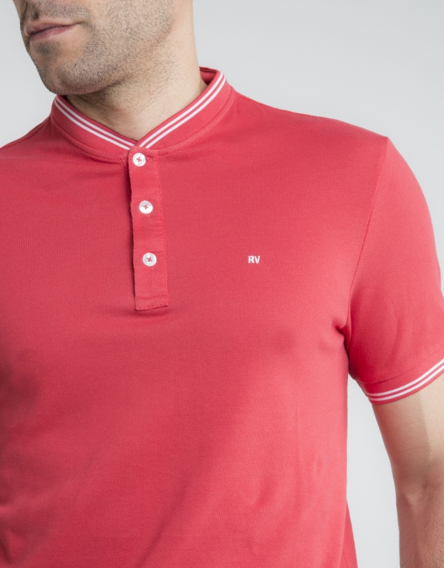 Contrasting red pique polo